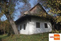 Romantická chalupa na rekreačné účely Cabin, House Styles, Home Decor, Decoration Home, Room Decor, Cabins, Cottage, Home Interior Design, Wooden Houses
