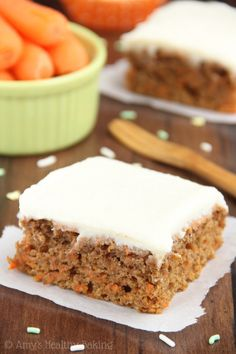 Clean Eating Classic Carrot Cake – this easy recipe tastes AMAZING! Secretly healthy with NO butter, refined flour or sugar! whole wheat greek yogurt carrot cake. Healthy Carrot Cakes, Healthy Cake Recipes, Healthy Sweets, Healthy Baking, Sweet Recipes, Baking Recipes, Delicious Desserts, Snack Recipes, Yummy Food