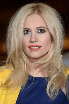 The Hottest Long Hairstyles & Haircuts For 2014 - Pixie Lott