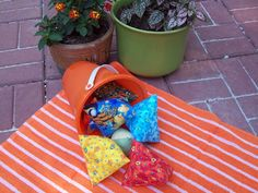 """Teach pivoting corners with this """"bucket of Humbug"""" project. It's also a fun game for kids"""