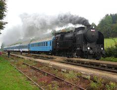 Discover the world through photos. Diesel Locomotive, Steam Locomotive, Plantation Homes, Horse Training, Czech Republic, Long Distance, Colonial, Trail, Iron