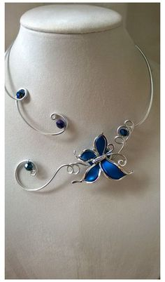 Royal blue wedding jewelry, Bridesmaid necklace, Royal blue necklace - List of the most beautiful jewelry Ankle Jewelry, Cute Jewelry, Bridal Jewelry Sets, Wedding Jewelry, Aluminum Wire Jewelry, Bijoux Fil Aluminium, Magical Jewelry, Bijoux Diy, Fantasy Jewelry