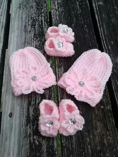 Loom knit newborn set made on knifty knitter blue loom, the booties were made on flower loom. Flowers are crochet.