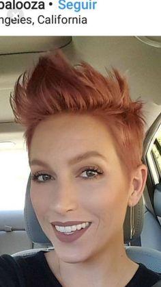 Ideas hair color red short shades for 2019 Short Hair Cuts, Short Hair Styles, Short Pixie, Pompadour Hairstyle, Sassy Hair, Grunge Hair, Pixie Haircut, Great Hair, Looks Style