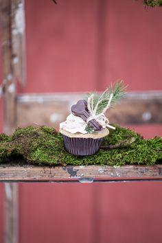 winter wedding cupcakes |  wren photography