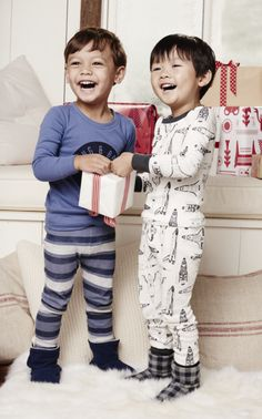 Looking for a totally adorable gift idea for that toddler in your life? Try these sleep sets. They come in a wide range of styles, so you can find the one that matches your boy the best.