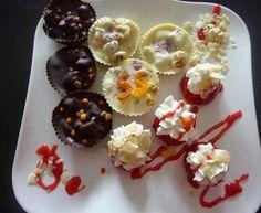 ROCAS DE CHOCOLATE BLANCO Y NEGRO Chocolate Blanco, Sushi, Muffin, Breakfast, Ethnic Recipes, Food, Spoons, Rocks, Easy Recipes