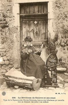 Type of peasant in the high Cévennes, France, Hard working French woman providing care for their children Vintage Photos Women, Antique Photos, Vintage Photographs, Old Pictures, Old Photos, Old Paris, Sewing Art, Historical Pictures, Cafe De Flore