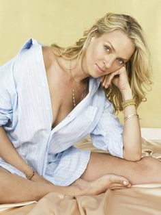 Nude pictures of Uma Thurman Uncensored sex scene and naked photos leaked. Uma Thurman, Quentin Tarantino Pulp Fiction, Dangerous Liaisons, Batman Robin, Golden Globe Award, Les Miserables, Old Pictures, American Actress, Playboy