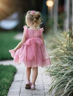 Simple Cute Tulle Dusty Pink Sleeveless Popular Little Girl Dresses, Little Girl Dresses, Girls Dresses, Flower Girl Dresses, Super Cute Dresses, Ladies Dress Design, Dream Dress, Baby Dress, Dress Making, Kids Fashion