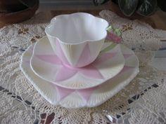 SHELLEY CHINA FLOWER HANDLE TRIO - PINK - DAINTY SHAPE