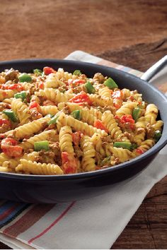 VELVEETA Easy Santa Fe Skillet – Enjoy Santa Fe-style cuisine with this easy beef and pasta skillet recipe. Grab some VELVEETA and a can of diced tomatoes with green chilies, and let's talk delicious dinnertime dishes.