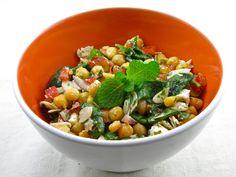 Salade de pois chiche épinards, menthe et amandes 21 minutes de préparation