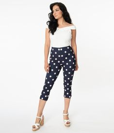 Capri Outfits, Balloon Pants, Daisy Pattern, Vintage Denim, Vintage Pants, Vintage Glamour, Model Pictures, Grunge Outfits, Swing Dress
