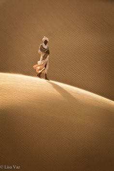 iseo58: Dune walker - Thar desert, India