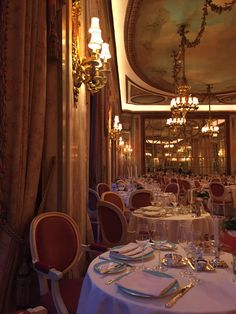 The food at The Ritz was absolutely spot on. London Hotels, London Restaurants, East London, Luxury Life, Fine Dining, Dream Life, Aesthetic Wallpapers, Titanic Wedding, Beautiful Places