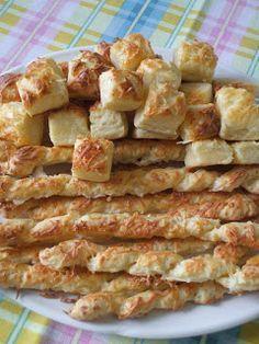 Van egy nagyon bevált, villámgyorsan elkészíthető pogácsa receptem. Nem kell dagasztani, keleszteni, órákig hajtogatni. Az íze mégis felér m... Baking Recipes, Cake Recipes, Savory Pastry, Salty Snacks, Hungarian Recipes, Winter Food, Cake Cookies, Bacon, Food And Drink