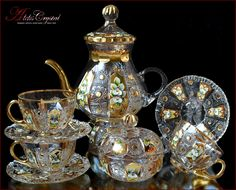 Tea set: In our shop you can buy tea sets for 6 persons from Czech crystal. Bohemia Crystal, Bohemia Glass, Cristal Art, Tea Cup Set, Tea Sets, Glass Tea Cups, Buy Tea, Crystal Glassware, Glass Crystal