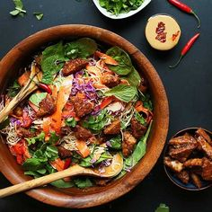 30-minute rainbow Thai salad with veggies, noodles, and marinated peanut tempeh! Dress with peanut sauce for a flavorful, healthy, plant-based meal!
