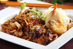Polędwiczki wieprzowe w sosie sojowym z sezamem