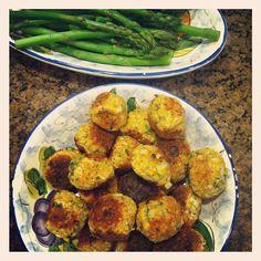 Vegetarian Meatballs made w/ nuts eggs cheese #SundaySupper @lizweiss