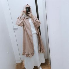 coffee date outfit Hijab Casual, Ootd Hijab, Hijab Chic, Casual Ootd, Jumper Outfit, Hijab Style Tutorial, Hijab Style Dress, Hijab Stile, Hijab Fashionista