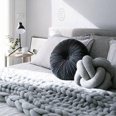 Large Knot Grey | Cushion