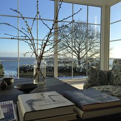 Love the large open window looking out. Weekend House, Charlotte, Modern Interior Design, Interior Designing, Open Window, Flower Show, Nordic Style, Colour Schemes, Beautiful Interiors
