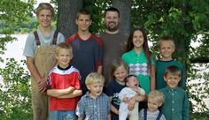 """Breckinridge County Sheriff allegedly injures pregnant mom as 10 children seized"" Posted May 11, 2015 When the officers left the home, the blocked the access road to the family property, which prevented Nicole and their two boys from leaving. Nicole was soon pulled over by the police, and that's when things went horribly wrong."