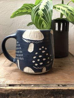 Hand formed on the potter's wheel. Painted with slip and then carved using the sgraffito techniqueDishwasher and microwave top rim to end of handle Ceramic Pottery, Ceramic Art, Ceramics Pottery Mugs, Ceramics Ideas, Ceramic Mugs, Mugs Sharpie, Mug Diy, Mug Design, Cute Mugs