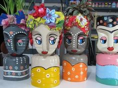 Plan flower pots with recycled plastic bottles - Plan flower pots with recycled plastic bottles # flower pots bottle - Plastic Bottle Planter, Plastic Jugs, Plastic Bottle Flowers, Plastic Bottle Crafts, Recycle Plastic Bottles, Recycled Decor, Recycled Crafts, Diy And Crafts, Crafts For Kids