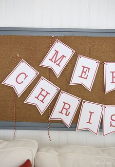 Merry Christmas Banner - Free Printable by Ella Claire.
