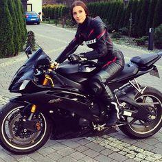 #babe #chick #motor #motorcycle #biker #girl #honda #cbr #fireblade