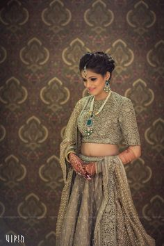 Bridal Wear - The Pretty Bride! Photos, Hindu Culture, Beige Color, Bridal Makeup, Sangeet Makeup, Mangtika pictures, images, vendor credits - Bianca, WeddingPlz