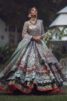 New Wedding Indian Dress Bridal Lehenga Anarkali Ideas Pakistani Bridal Dresses, Pakistani Wedding Dresses, Pakistani Outfits, Indian Dresses, Dress Wedding, Boho Wedding, Bridal Anarkali Suits, Modest Wedding, Wedding Trends