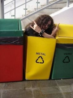 Funny pictures about Metal. Oh, and cool pics about Metal. Also, Metal photos. Memes Humor, Funny Humor, Humor Quotes, 9gag Funny, Hilarious, Funny Pranks, It's Funny, Funny Minion, Funny Images