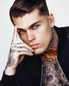 "132k Likes, 1,194 Comments - STEPHEN JAMES (@whoiselijah) on Instagram: ""2017©"""