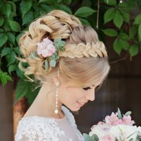 Coafuri de nunta glamour pentru mirese elegante