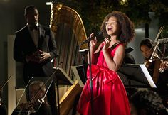 Annie Movie Review: Quvenzhane Wallis' Revamp Desperately Aches to Be - Us Weekly