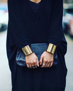 braceletes dando acabamento pras blusas de frio \o/
