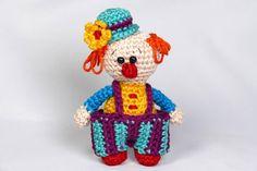 Mini Clown amigurumi haakpatroon PDF ebook door PeggySewPatterns