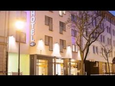 Hotel am Jungfernstieg - Stralsund - Visit http://germanhotelstv.com/hotelamjungfernstieg This family-run hotel is a 1-minute walk from Stralsund Train Station and a 5-minute walk from the historic town centre. It offers soundproofed rooms with views over the Knieperteich pond towards the Old Town. -http://youtu.be/upNNNNIE3TA
