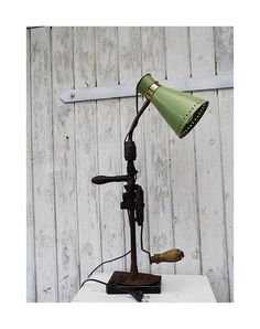 Vintage: upcycled Tischlampe, Industrial, Loftdesign, Fabrikstil