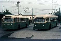SEPTA BRILL AND MARMON TRACKLESS TROLLEY AT BELLS CORNER LOOP 1970S