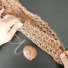 Diy Crafts - GANHA,SAIBA-Knit bags have always been one of the most popular models of handbags, whether hand-made or ready-made. Crochet Tote, Crochet Handbags, Love Crochet, Crochet Flowers, Crochet Stitches, Knit Crochet, Crochet Patterns, Diy Crafts Crochet, Crochet Projects