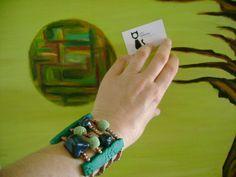 Pulseira em massa polímera com aplicações em contas de cerâmica!