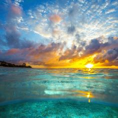 ♡ Ocean Sunrise ❤ The best kind of wake up ✌ Great Barrier Reef, Queensland,Australia
