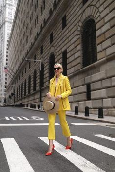 Blair Eadie wearing a bright yellow suit from Topshop in downtown NYC // Hat by Gucci and sunglasses by Linda Farrow // Click through for more bright suiting looks on Atlantic-Pacific Spring Fashion Outfits, Spring Summer Fashion, Autumn Fashion, Fashion Clothes, Summer Outfits, Yellow Suit, Mellow Yellow, Bright Yellow, Yellow Fashion