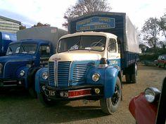 Berliet Semi Trucks, Old Trucks, Large Truck, Old Commercials, Busses, Commercial Vehicle, Peugeot, Vintage Cars, Transportation