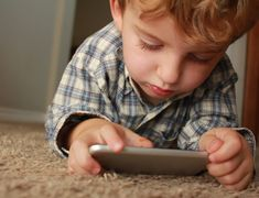 How To Manage Your Children's Screen Time! Cotinuing with our series on children and screen time Part Two gives 5 ways to help you manage and monitor them Contrôle Parental, Parental Control, Parental Consent, Our Kids, My Children, Children Pictures, Help Kids, Internet Day, Internet News